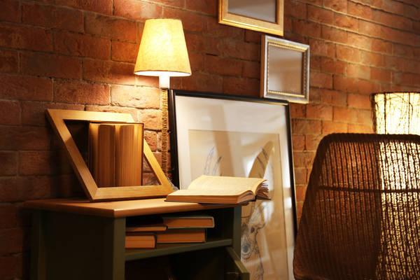 Dřevěný teakový stolek