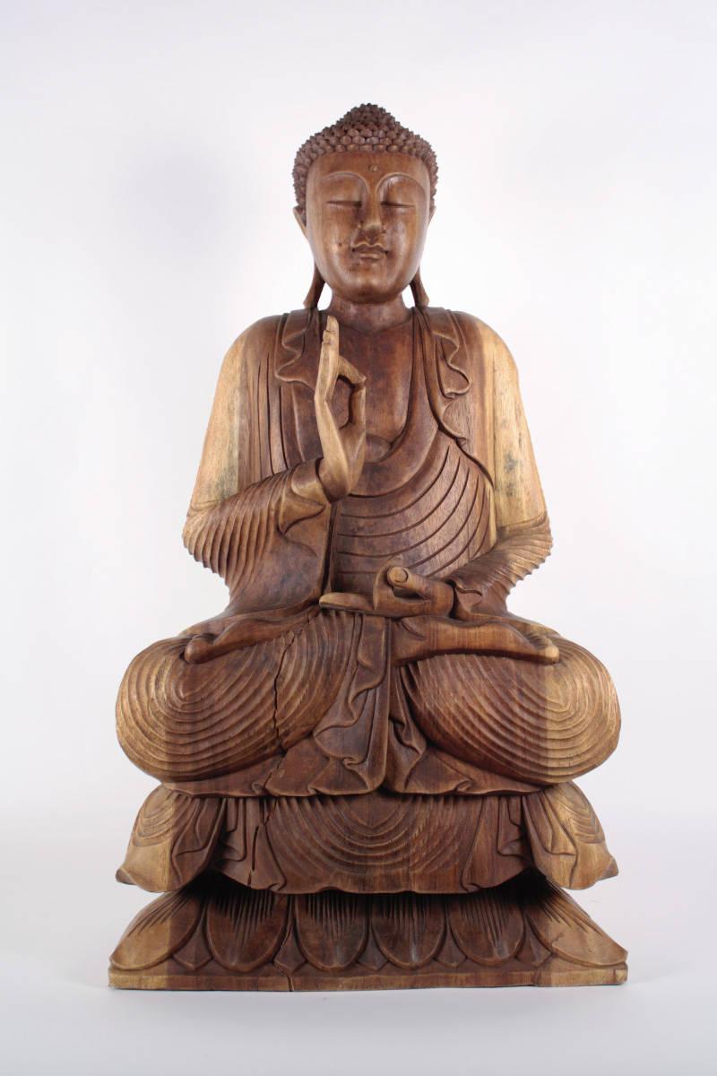 šoška-buddhu-velký-dřevěný-sedící