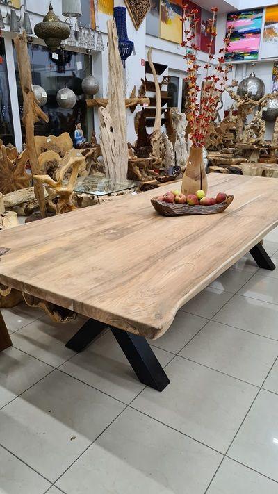 Hrubý stůl.jpg